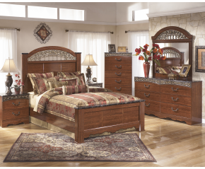 Fairbrooks Estate 5PC Poster Bedroom Set